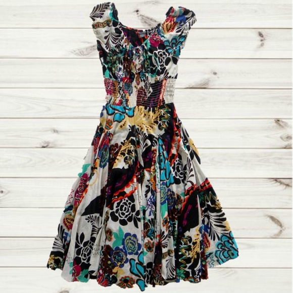 b5bea5763f8 Chelsea   Theodore Dresses   Skirts - CHELSEA   THEODORE Boho Floral  Peasant Dress